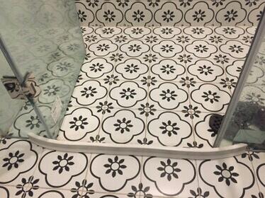 Gờ-chặn-nước-phòng-tắm-kính